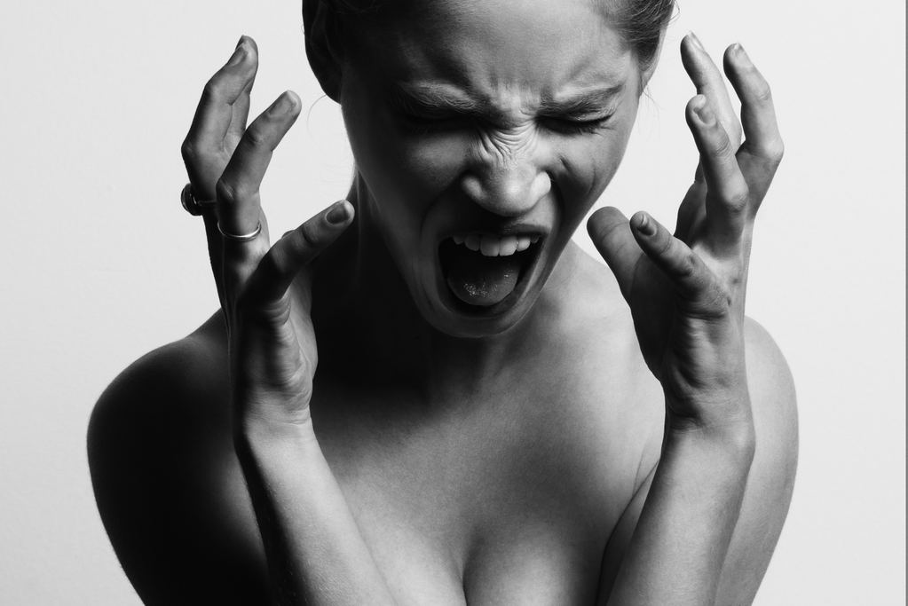 This is What It Is Like to Go Through Menopause - Mood Swings and Hot Flashes – 5 Signs and Symptoms