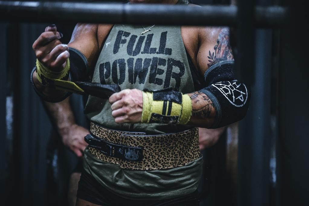 9 Squat Tips To Improve Form, Strength and Size by Swolverine